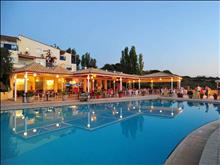 Rethymno Mare & Water Park: Pool Bar